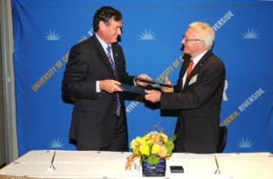 Unterzeichnung Kooperationsvertrag Riverside (Bild: privat)