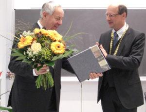 prof-Steiner-prof-Korbmacher-erler-preis-2012 (Bild: FAU)