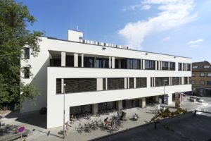 The main University Library in Erlangen (image: FAU/David Harfiel)