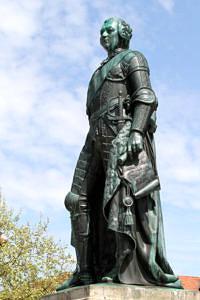 Markgraf-Statue vor dem Erlanger Schloss