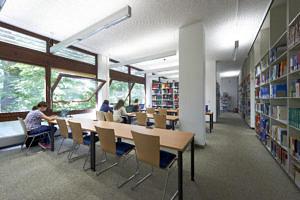 Bibliothek (Bild: FAU/David Hartfiel)