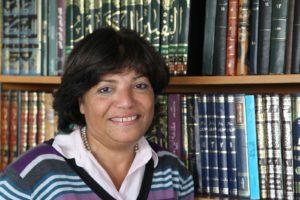 Prof. Dr. Maha El Kaisy-Friemuth, Professorin für Islamisch-Religiöse Studien mit Praktischem Schwerpunkt an der FAU, ist Gastgeberin einer Tagung des Departments Islamisch-Religiöse Studien (DIRS).