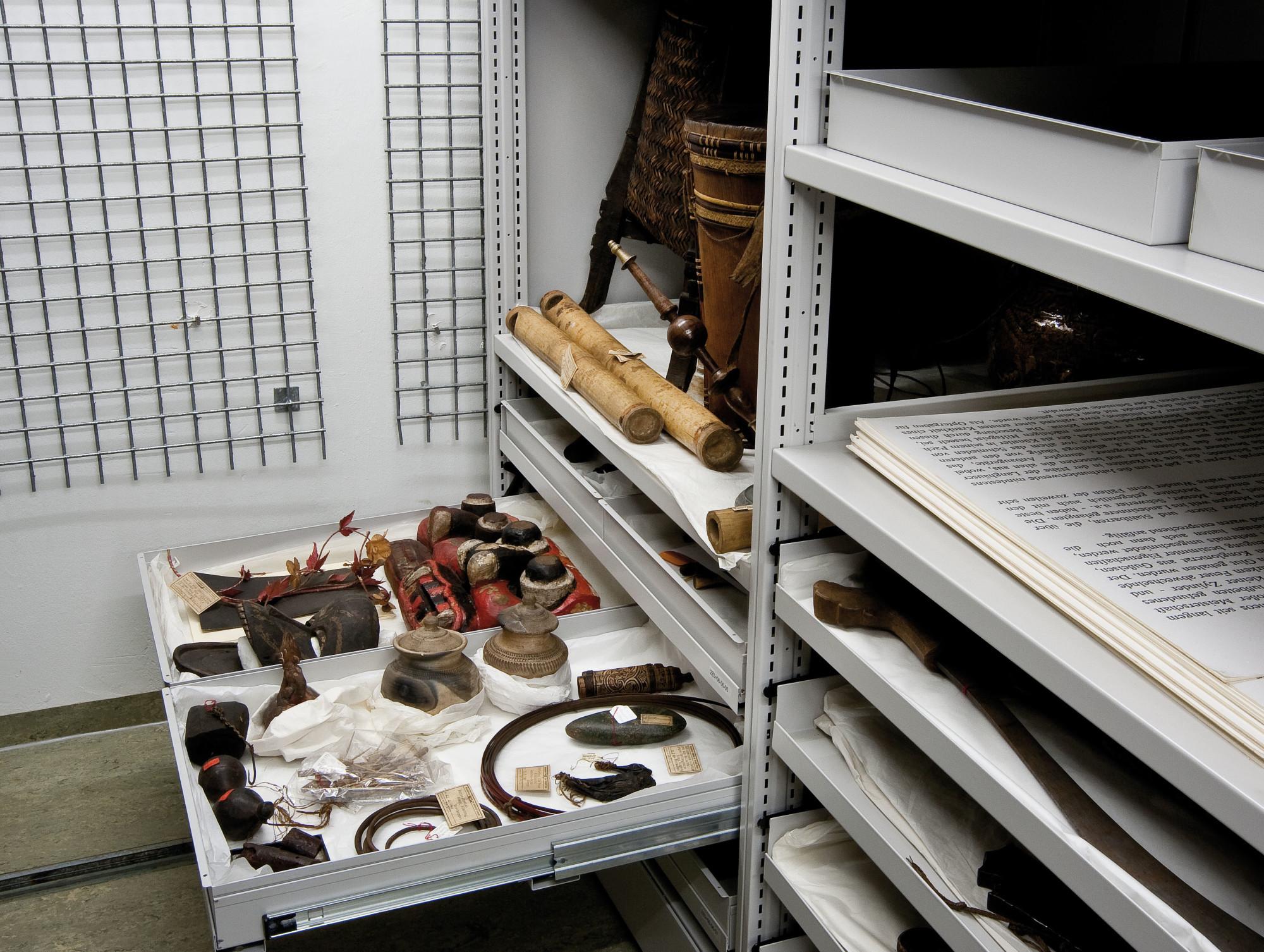 Ethnographische Sammlung › Friedrich-Alexander-Universität Erlangen-Nürnberg