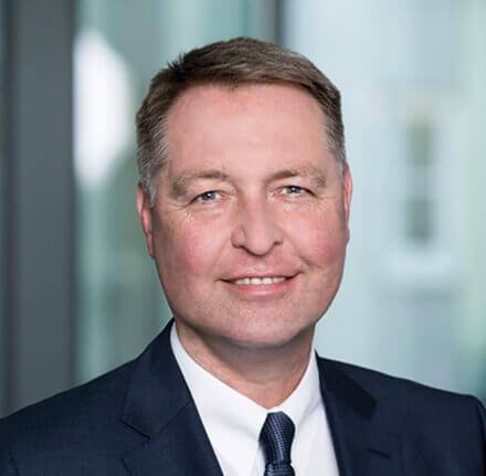 Portrait von Dr. Walthes, Vorstandsvorsitzender des Konzerns Versicherungskammer Bayern