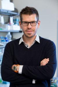 Dr. Gerhard Krönke vom Lehrstuhl für Innere Medizin III. (Bild: Erich Malter)