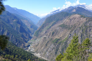 The high mountain valley of the Bhote Koshi river near the Langtang region north of Kathmandu which was devastated by the earthquake. It is becoming clear that the geography of this region creates difficult living conditions. (Image: Dr. Alexandra Titz)