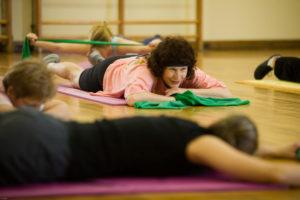 Durch besondere Fitnessangebote werden durch BIG auch benachteiligte Frauen zu Bewegung animiert. (Bild: Erich Malter)