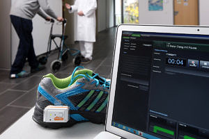 Gait analysis of a Parkinson's patient using the eGaIT system (image: Kurt Fuchs)