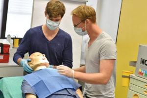 Starke Blutungen in der Mundhöhle sind ein Beispiel für einen Notfall in einer Zahnarztpraxis. (Bild: Universitätsklinikum Erlangen)