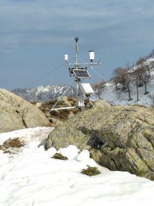 Eine Klimastation an einem der Gebirgsstandorte auf ca. 1600 m ü. NN.