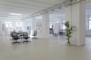 Gründerinnen und Gründern stehen auf rund 900 Quadratmetern offene Arbeitsflächen zur Verfügung. (Bild: Zollhof Betreiber GmbH)