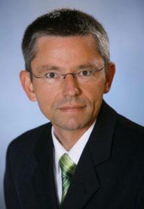 Prof. Dr. Andre Kaup ist Beauftragter der FAU für die Ferienakademie Sarntal. (Bild: Peter Kraus)