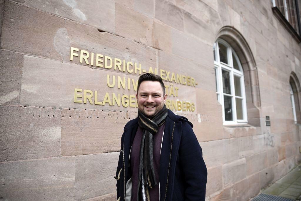 Christian Grütter ist in Nürnberg fest verwurzelt, daher war er sich auch sicher: Die FAU ist die Universität seiner Wahl. (Bild: FAU/Luisa Gerlitz)