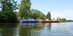 Die beiden Römerboote F.A.N. und Regina auf der Donau