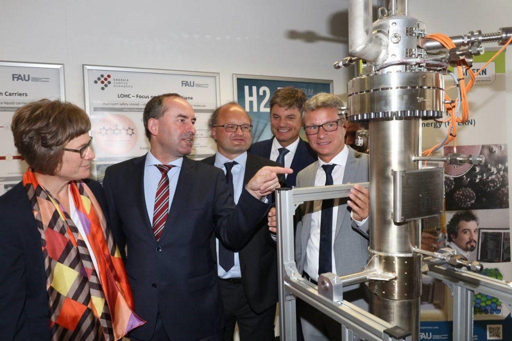 Gründungsveranstaltung des Wasserstoffzentrums mit FAU-Profs