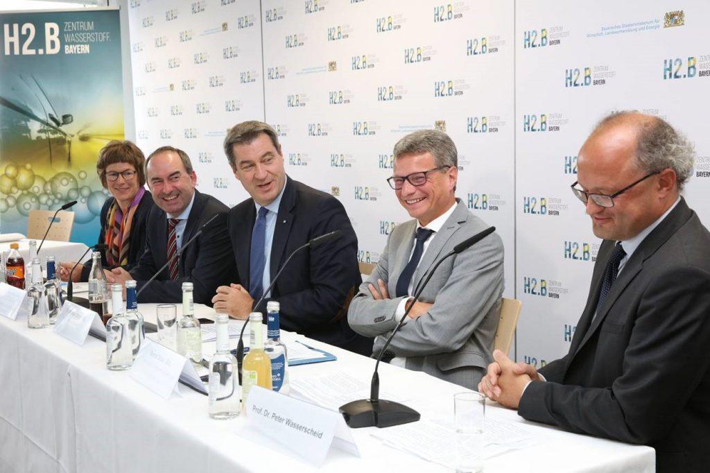 Pressekonferenz zur Gründung des Wasserstoffzentrums am EnCN mit FAU