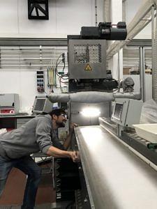 Mann im Labor.