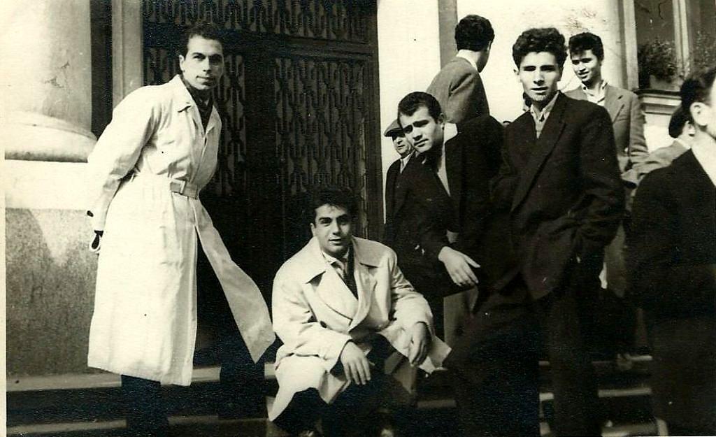 Prof. Dr. Boytschev (ganz links) mit Kommilitonen in Sofia