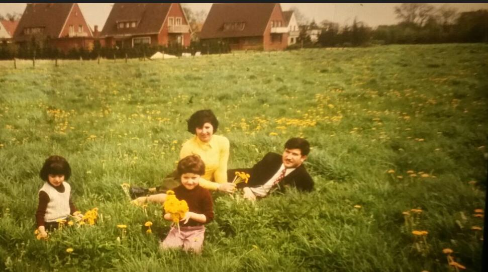 Aryaf Al-Rousan spent part of her childhood in Germany. This photo, which shows Aryaf with her sister and her parents, is from this time. (Picture: private photo)