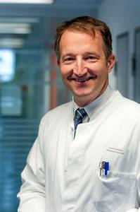 Prof. Dr. Jochen Klucken, stellvertretender Leiter der Molekularen Neurologie am Universitätsklinikum Erlangen (Foto: Valentin Schilling)
