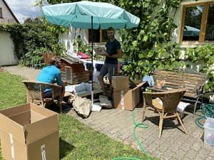 Studierende in Garten