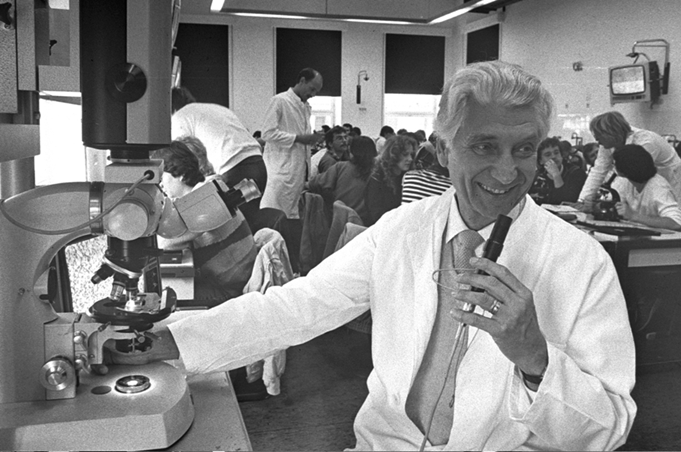 Prof. Dr. Johannes Rohen